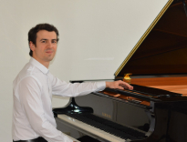 Alexandru Szabo – Klavier